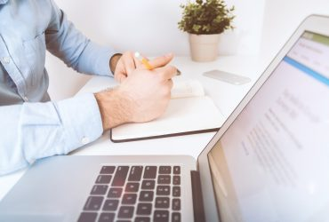 Czym zajmuje się doradca kredytowy